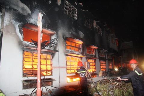 Cháy lớn bao trùm công ty giày Việt Nam – SamHo